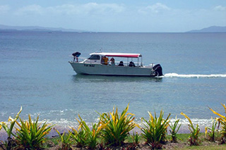 Dive boat - Aroha Taveuni Resort - Fiji Dive Resorts