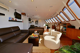 Lounge - Celebrity Xploration - Galapagos Liveaboards - Dive Discovery Galapagos