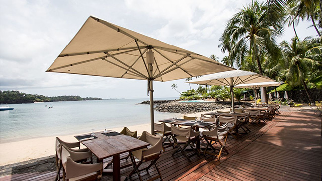 Outdoor cafe - Club Santana - São Tomé Dive Resort