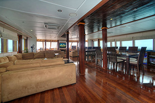 Salon - MV Emperor Leo - Maldives Liveaboards
