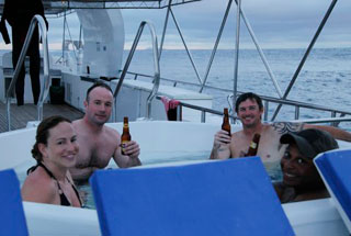 Galapagos Islands Sept 29-Oct 5 2014 Humboldt Explorer & Island land walks on Santa Cruz & Isabella Island Oct 5-11 2014 Trip Report - Dive Discovery