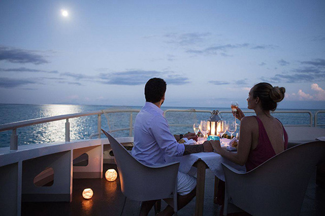 Dinner under the moon light - Haumana - Tahiti Liveaboards