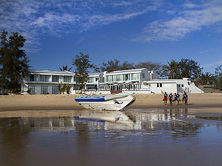 Dive boat - Hotel Tofo Mar - Inhambane, in Mozambique