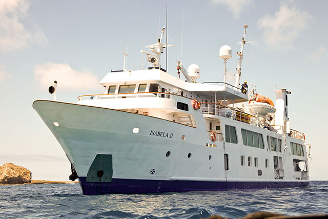 Isabela II - Galapagos Liveaboards - Dive Discovery Galapagos
