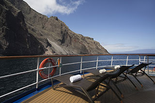 Sun deck - Isabela II - Galapagos Liveaboards - Dive Discovery Galapagos