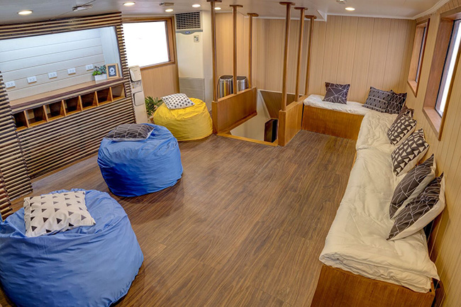 Lounge and camera room - M/Y Resolute - Philippines Liveaboard