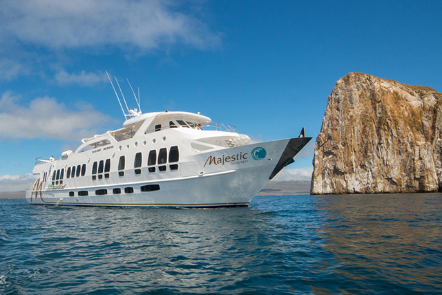 Majestic  Explorer - Galapagos Liveaboards - Dive Discovery Galapagos