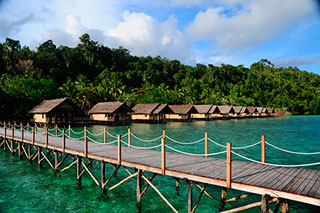 Papua explorers dive resort in raja ampat west papua - Raja ampat explorers dive resort ...