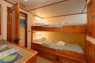 Cabin with bunk beds - MV Sea Hunter - Dominican Republic Liveaboard