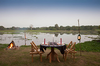 Outdoor dining - The Mudhouse - Accommodation in Sri Lanka